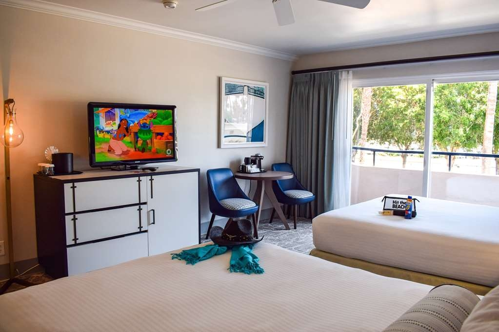 Best Western Beachside Inn - The trendy design and beachy décor of these elegant rooms will put you in the perfect mood for exploring all the charms of Santa Barbara!