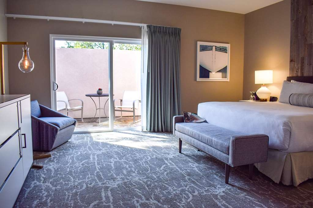 Best Western Beachside Inn - Our new Signature King Rooms are sure to provide every comfort during your stay!