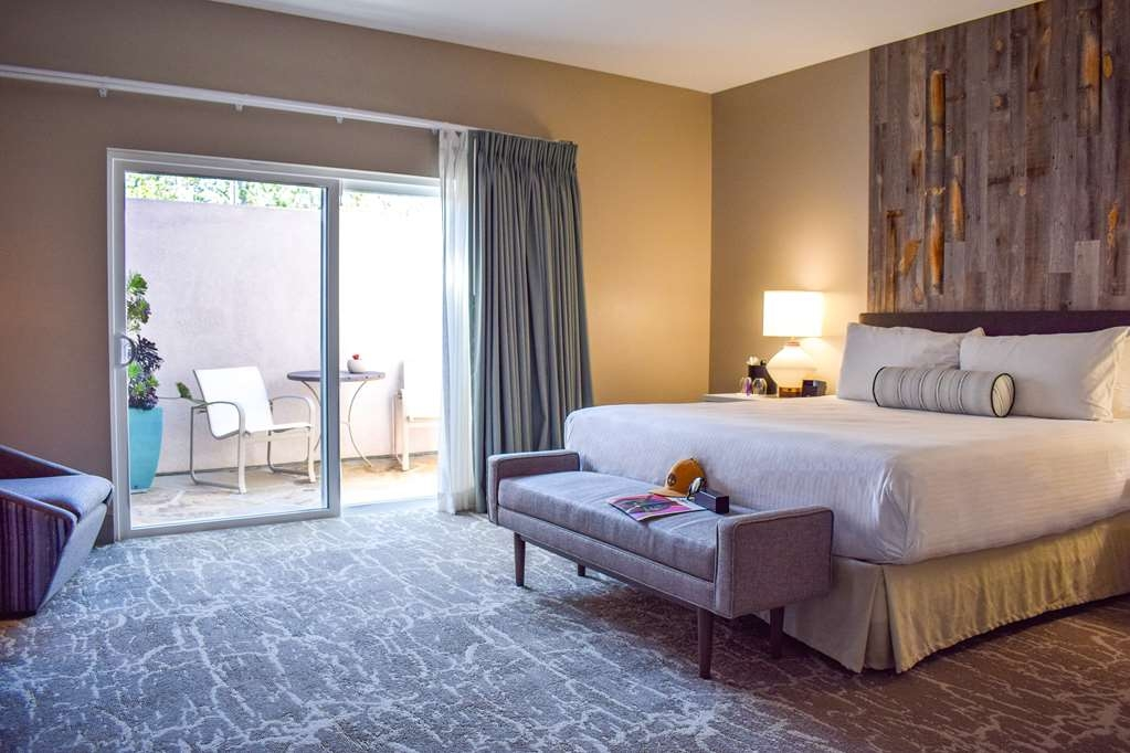 Best Western Beachside Inn - Our new Signature King Rooms with Patio are among our most requested rooms, they provide all the privacy and comfort for your stay.