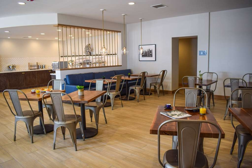 Best Western Beachside Inn - Enjoy a deluxe complimentary breakfast in our stylish and spacious breakfast area!