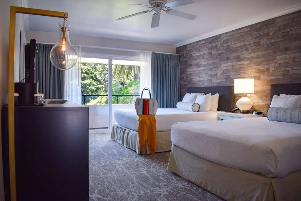 Best Western Beachside Inn - The beachy décor and trendy design of these rooms were inspired in the charms of this coastal town.