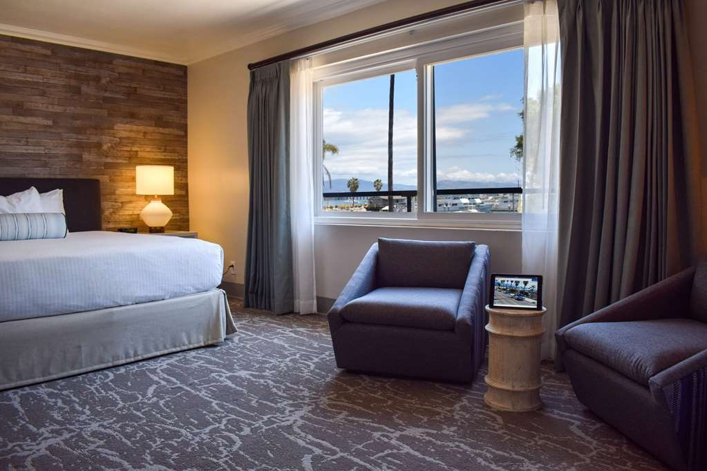 Best Western Beachside Inn - One of our most popular rooms offers breathtaking views of Santa Barbara Harbor, West Beach, Stearns Wharf and the Santa Ynez Mountains.