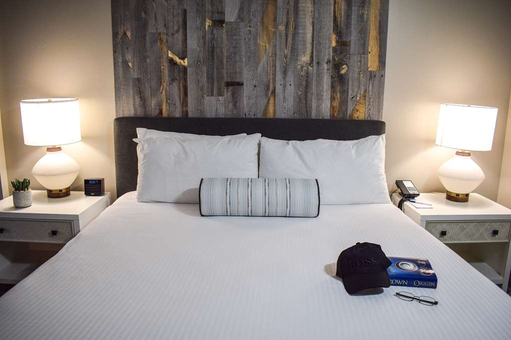 Best Western Beachside Inn - The trendy design and beachy décor of these elegant rooms will put you in the perfect mood for your Santa Barbara adventure!
