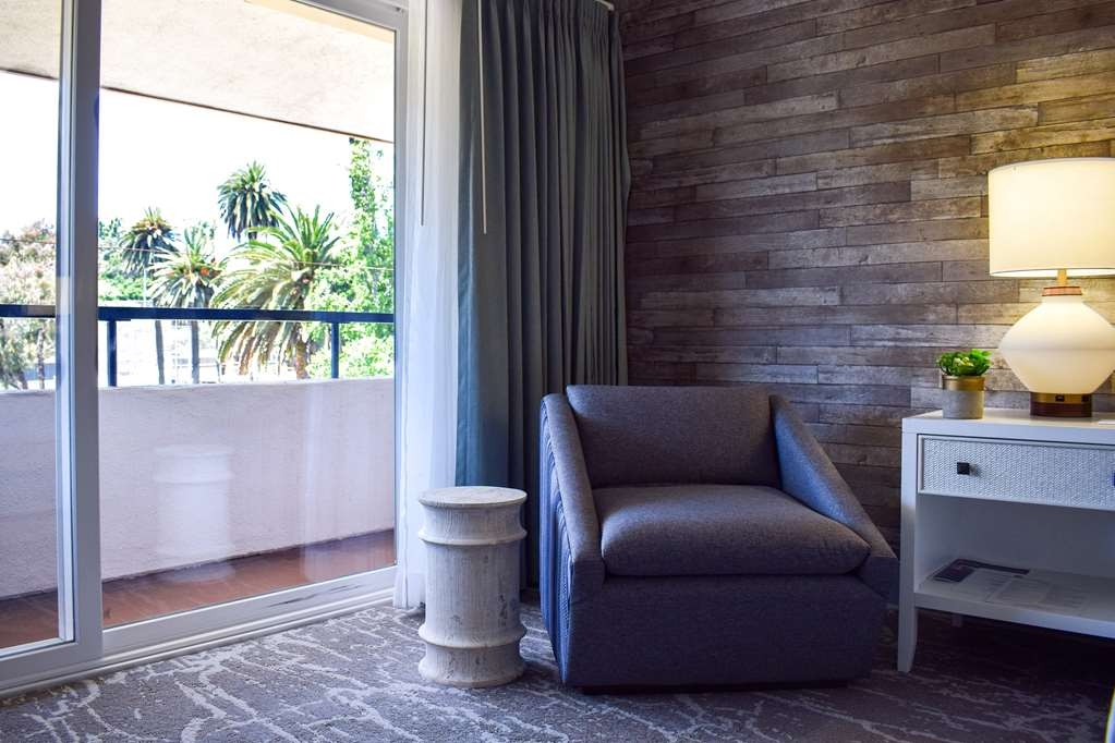 Best Western Beachside Inn - The room's trendy and beachy décor will put you in the perfect mood for your Santa Barbara escapade!