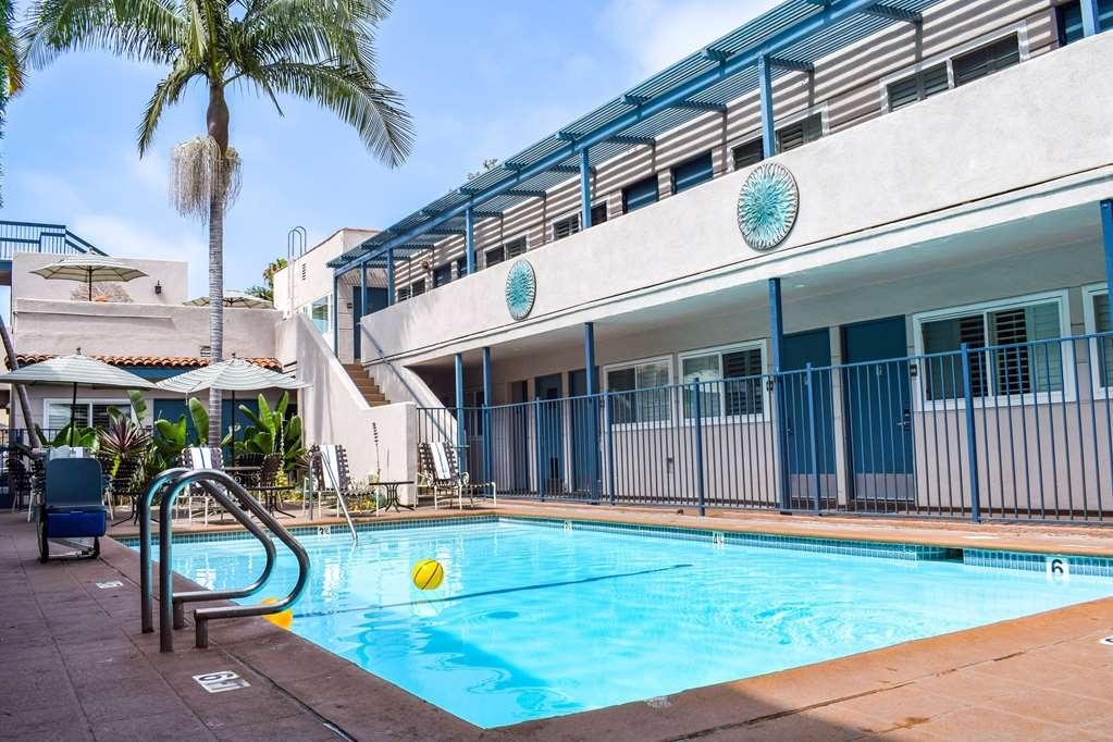 Best Western Beachside Inn - Palm trees, a Santa Barbara icon!