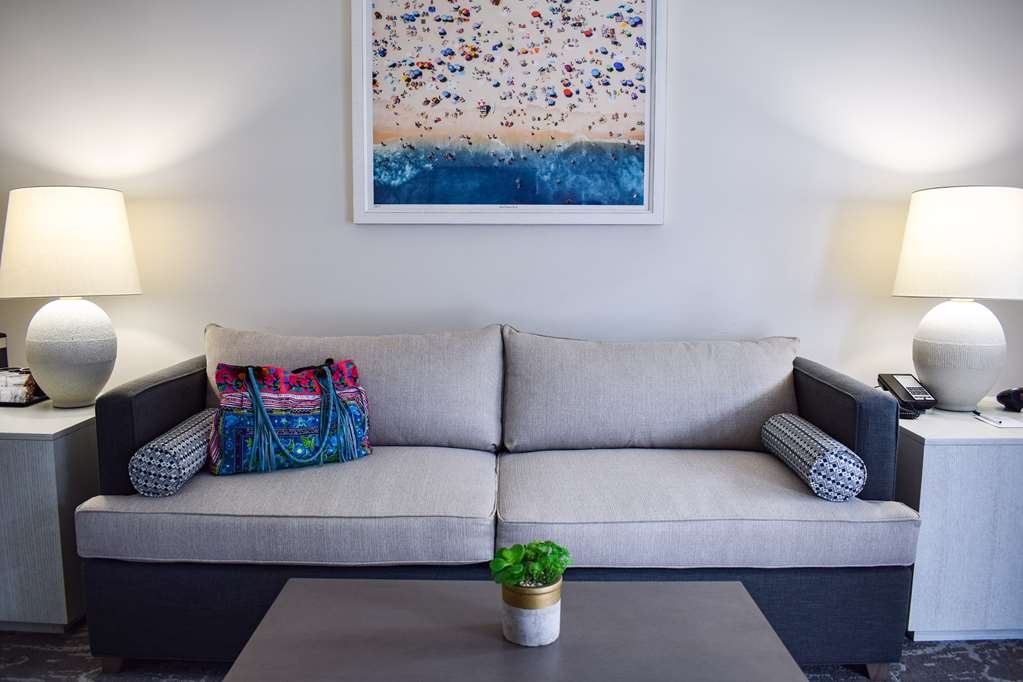Best Western Beachside Inn - These Mini Suites have a private living-room with a modern design and beachy décor to get you in the perfect mood for your Santa Barbara adventure!