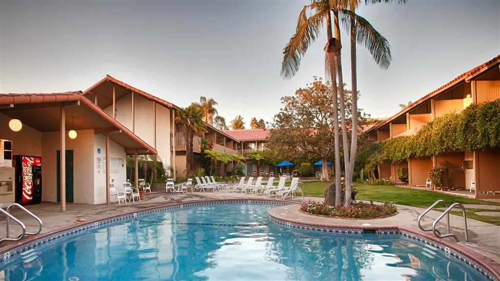 Best Western Plus Pepper Tree Inn - Piscina