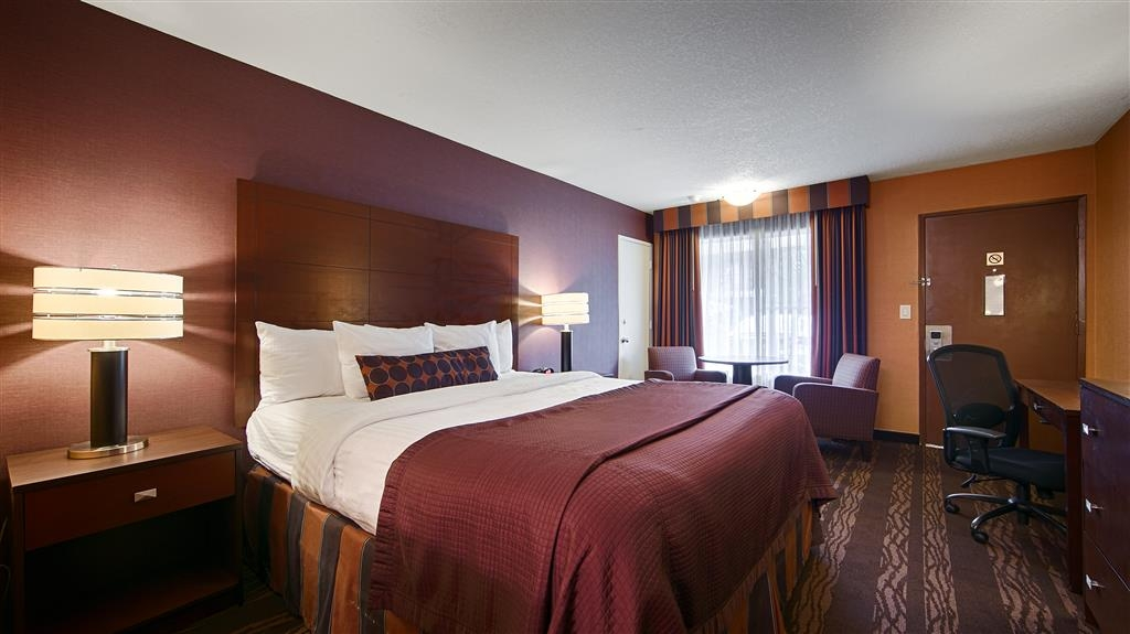 Best Western Plus Stovall's Inn - Live in true luxury when you book a king bed guest room.