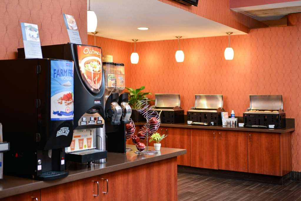 Best Western Plus Stovall's Inn - Stovalls Inn breakfast