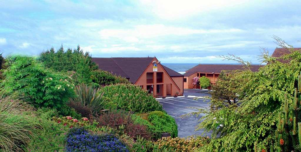 SureStay Plus Hotel by Best Western Gold Beach - Welcome to the SureStay Plus? Hotel Gold Beach! We are right on the Ocean!