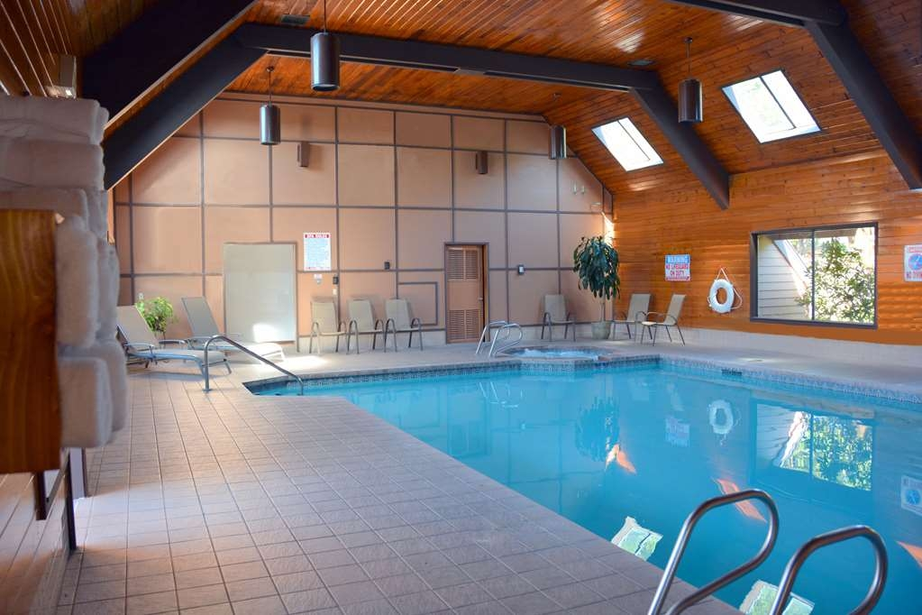 SureStay Plus Hotel by Best Western Gold Beach - Vue de la piscine