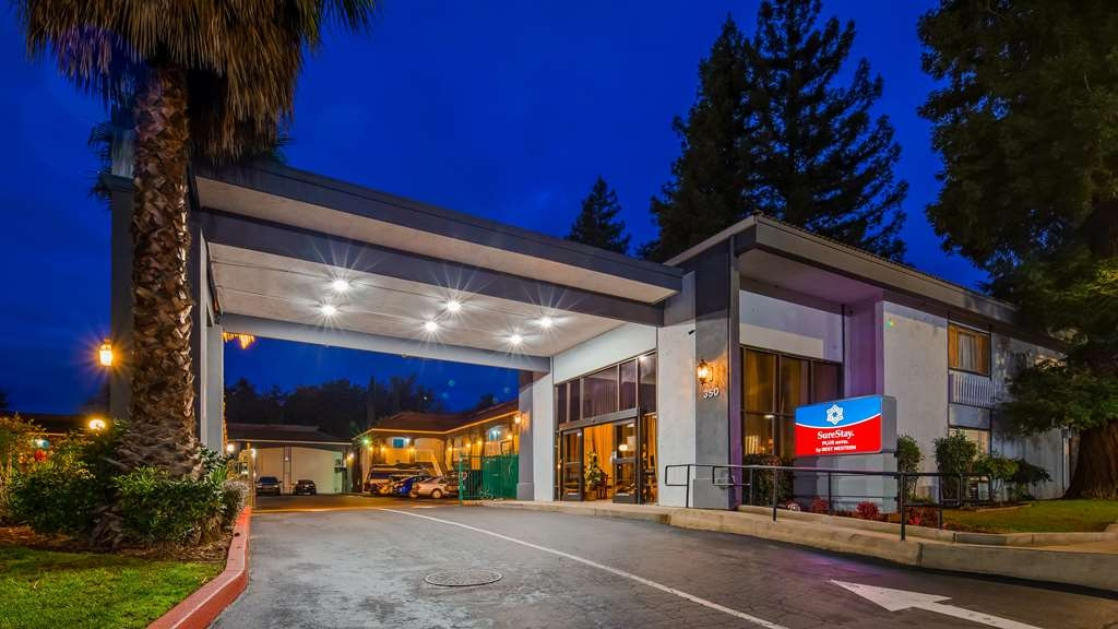 SureStay Plus Hotel by Best Western Sacramento North - Facciata dell'albergo