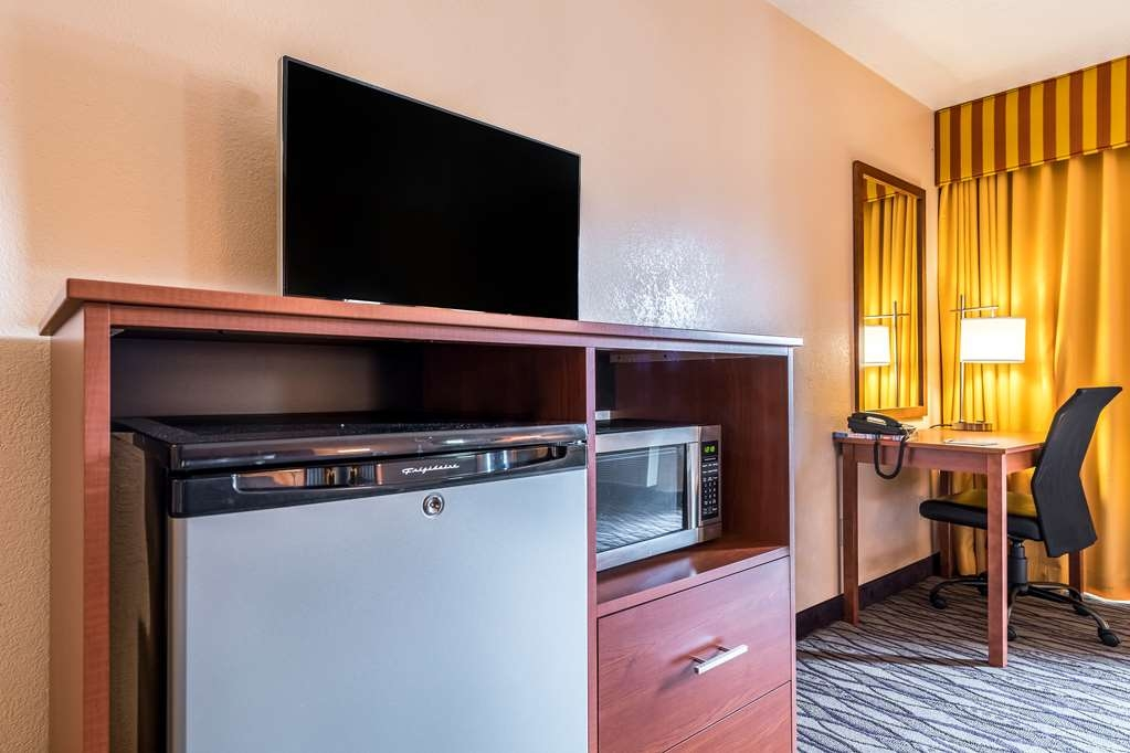 SureStay Hotel by Best Western Wenatchee - For your convenience we offer microwaves and mini fridges in our rooms.