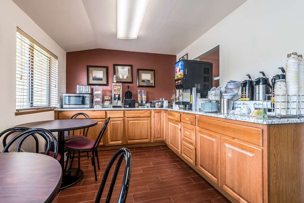 SureStay Hotel by Best Western Wenatchee - Enjoy a balanced and delicious breakfast with choices for everyone.