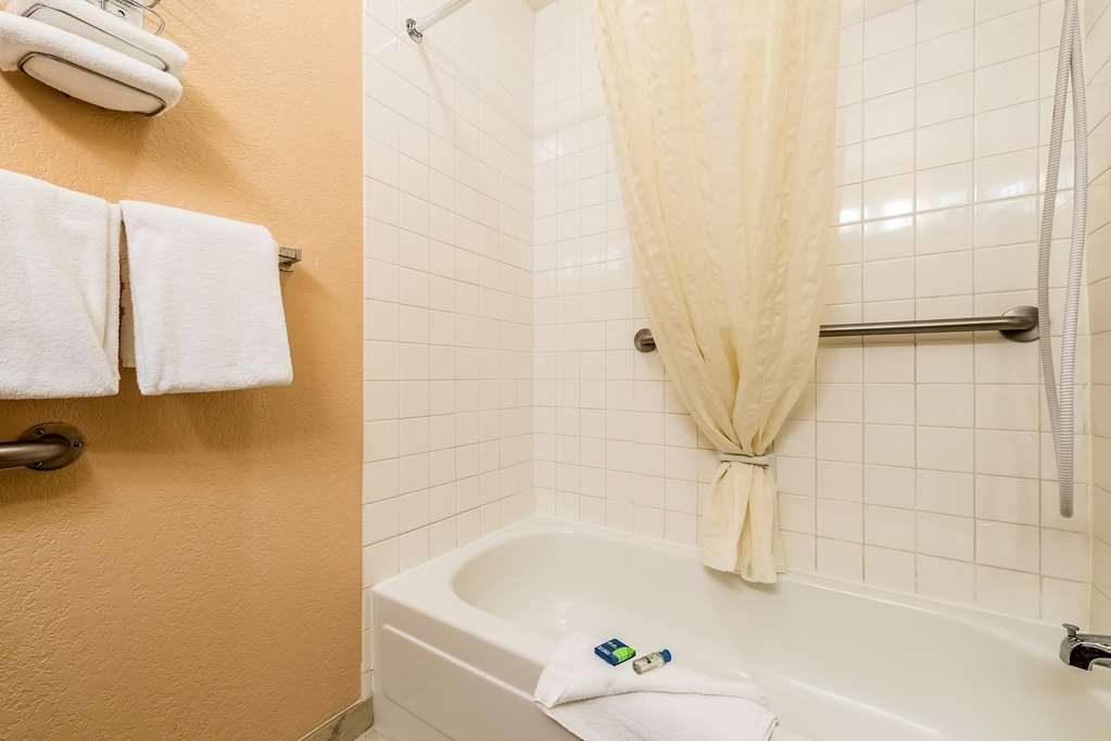 SureStay Hotel by Best Western Wenatchee - Our bathrooms are designed with plenty of space to get ready for the day.