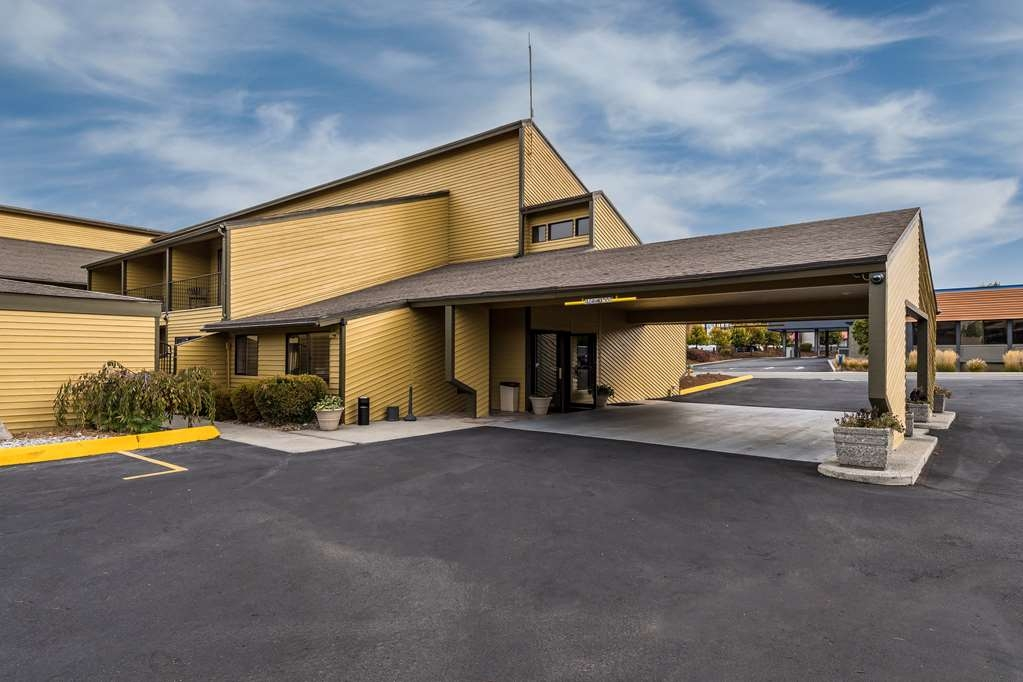 SureStay Hotel by Best Western Wenatchee - Our proximity to Wenatchee's historic downtown is just another great perk that set us apart from other hotels in East Wenatchee.