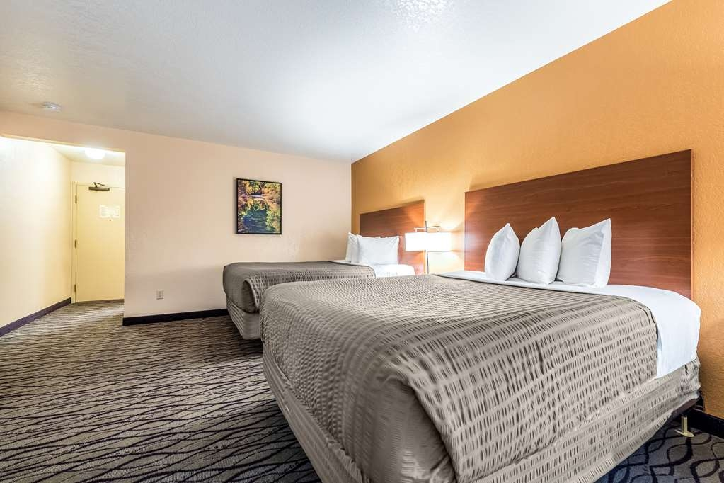 SureStay Hotel by Best Western Wenatchee - We designed our 2 queen mobility accessible rooms for easy access.