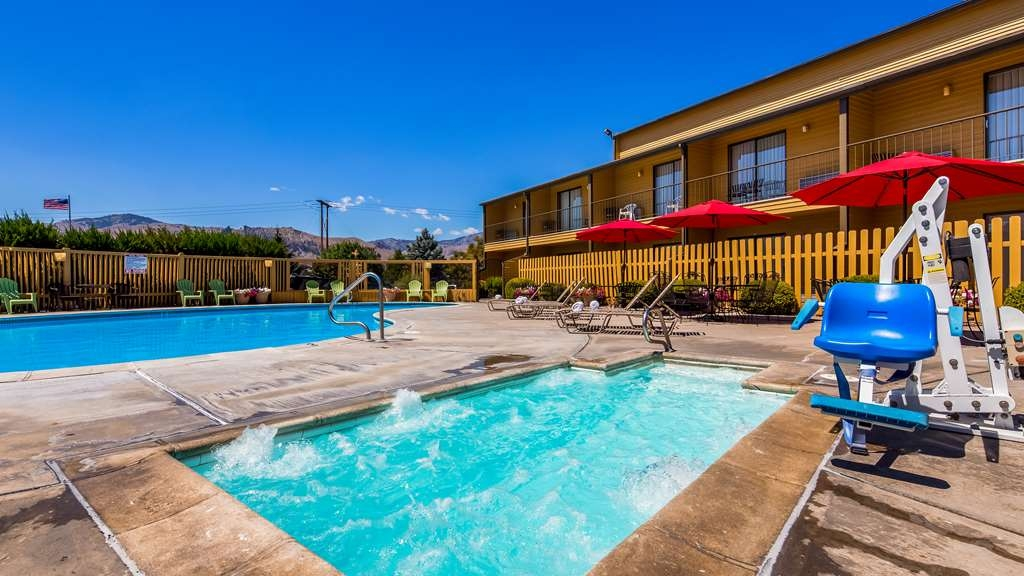 SureStay Hotel by Best Western Wenatchee - Piscina