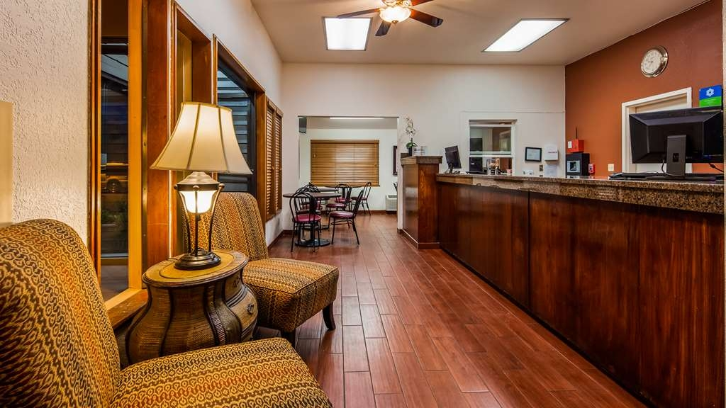 SureStay Hotel by Best Western Wenatchee - Hall