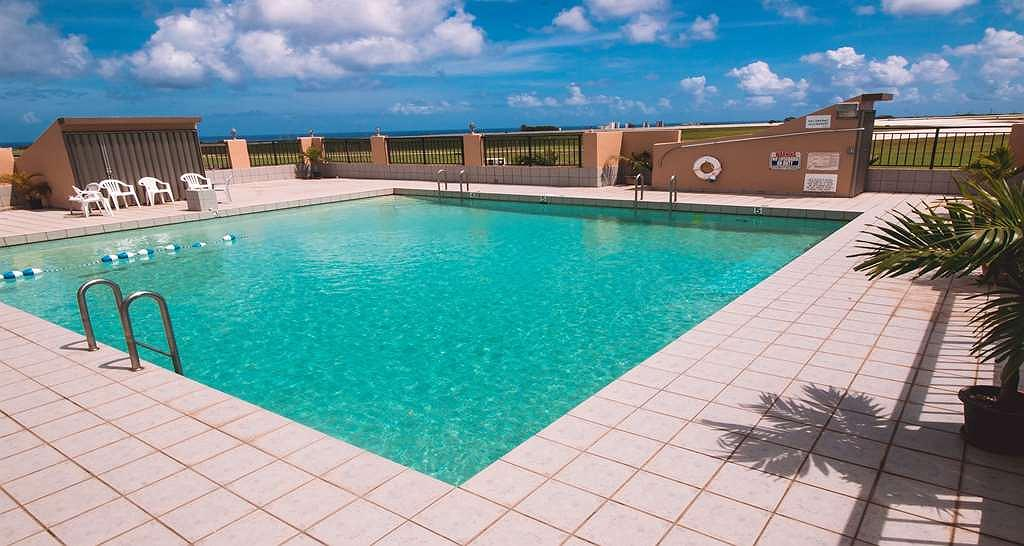 SureStay Hotel by Best Western Guam Airport South - Poolansicht