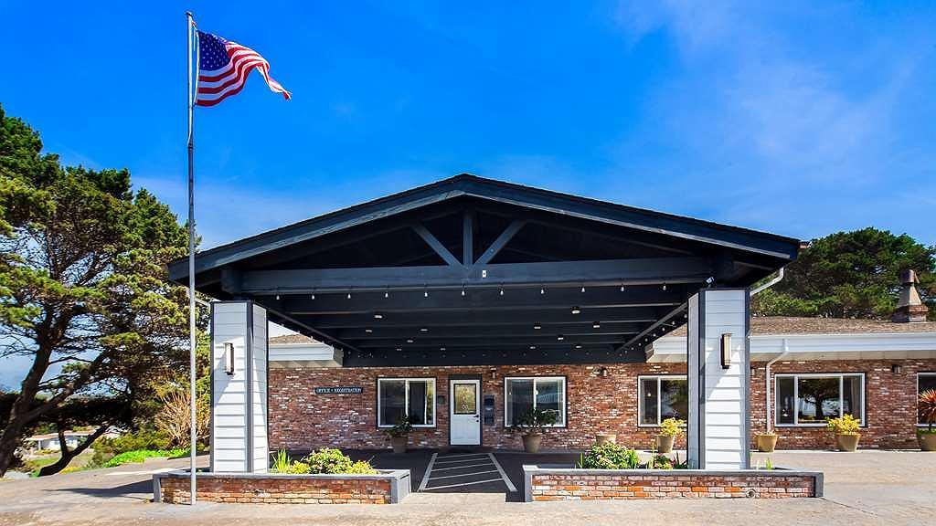 Best Western Vista Manor Lodge - Hotel Exterior