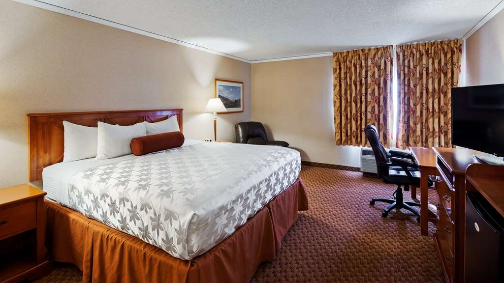 SureStay Plus Hotel by Best Western Reno Airport - We offer a variety of king rooms from standard to mobility accessible to suites.