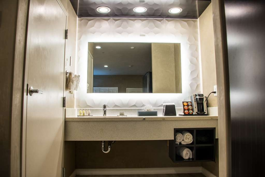 SureStay Plus by Best Western Santa Clara Silicon Valley - If you forgot your toiletries don't worry we've got you covered.