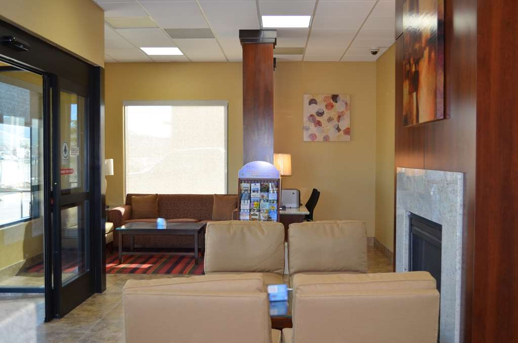 SureStay Hotel by Best Western Tehachapi - Our lobby is the perfect spot to relax after a long day of work and travel.