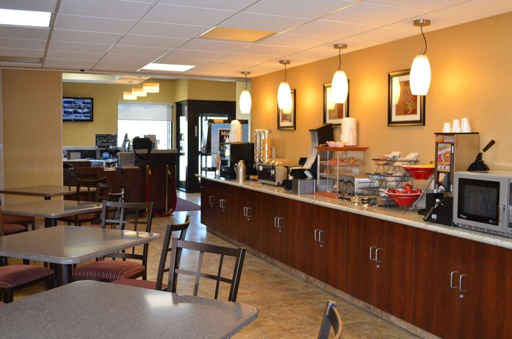 SureStay Hotel by Best Western Tehachapi - Join us every morning for a variety of your favorite morning treats.