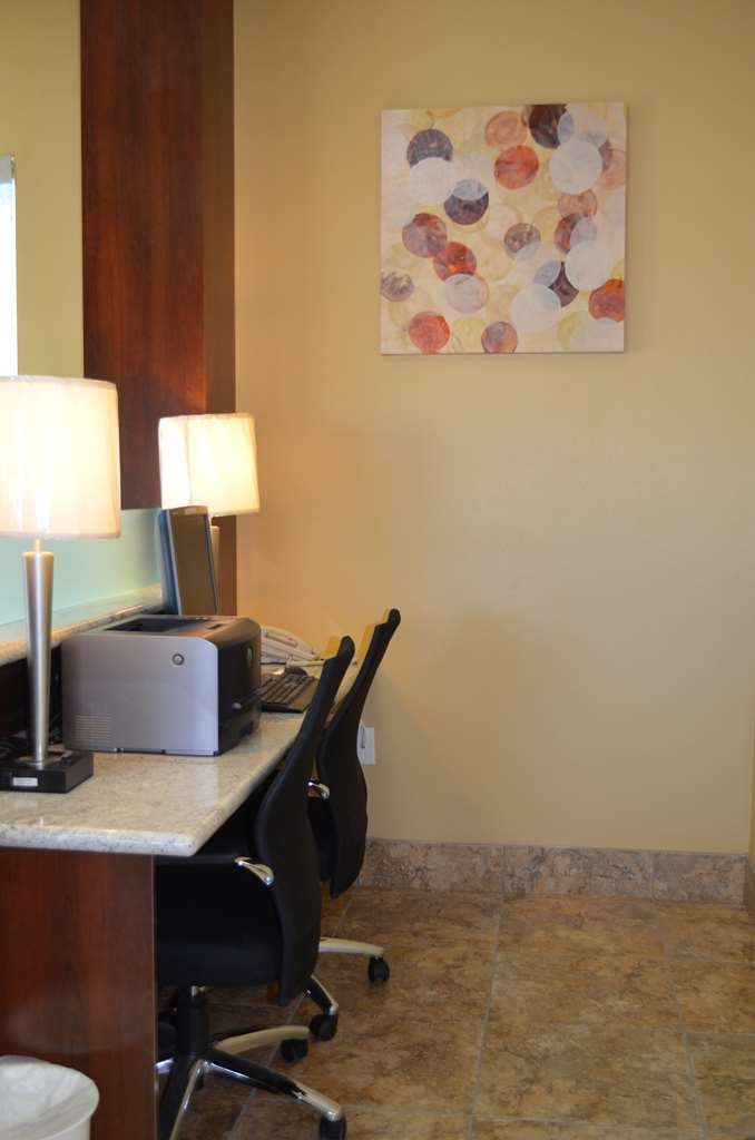 SureStay Hotel by Best Western Tehachapi - Stay productive during your time away from home in our business center.