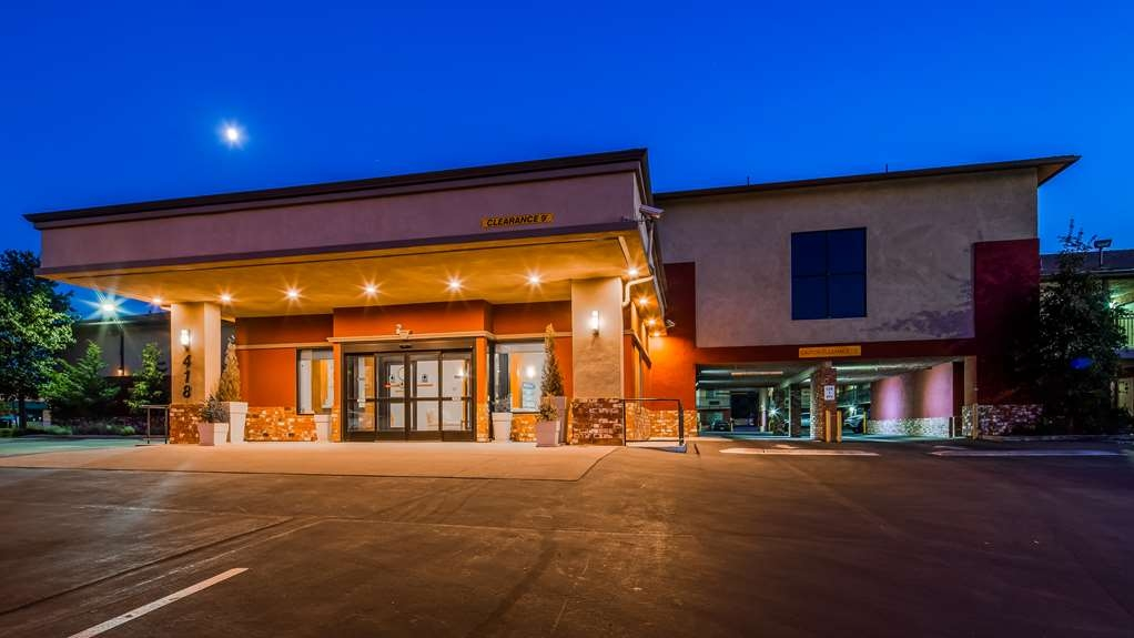 SureStay Hotel by Best Western Tehachapi - Facciata dell'albergo