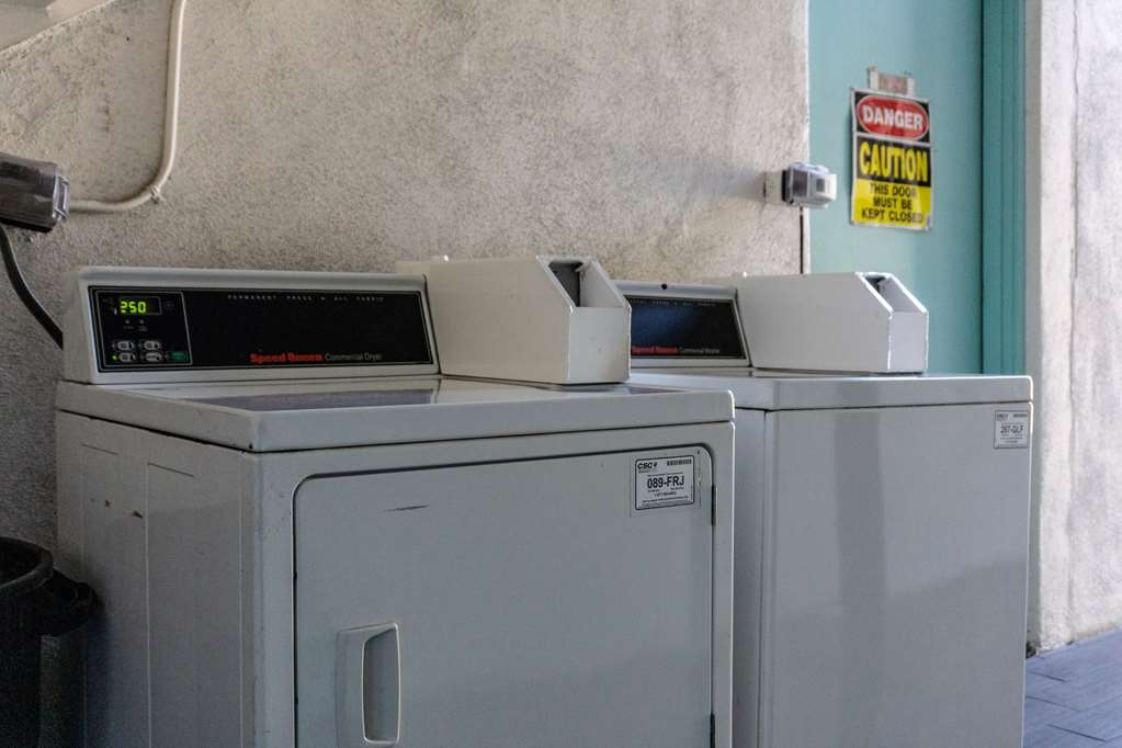 SureStay Hotel by Best Western Phoenix Downtown - For your convenience we offer onsite laundry.