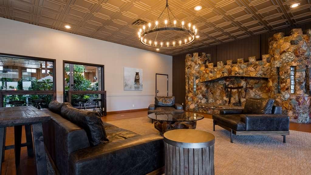 SureStay Hotel by Best Western Chilliwack - Vista del vestíbulo