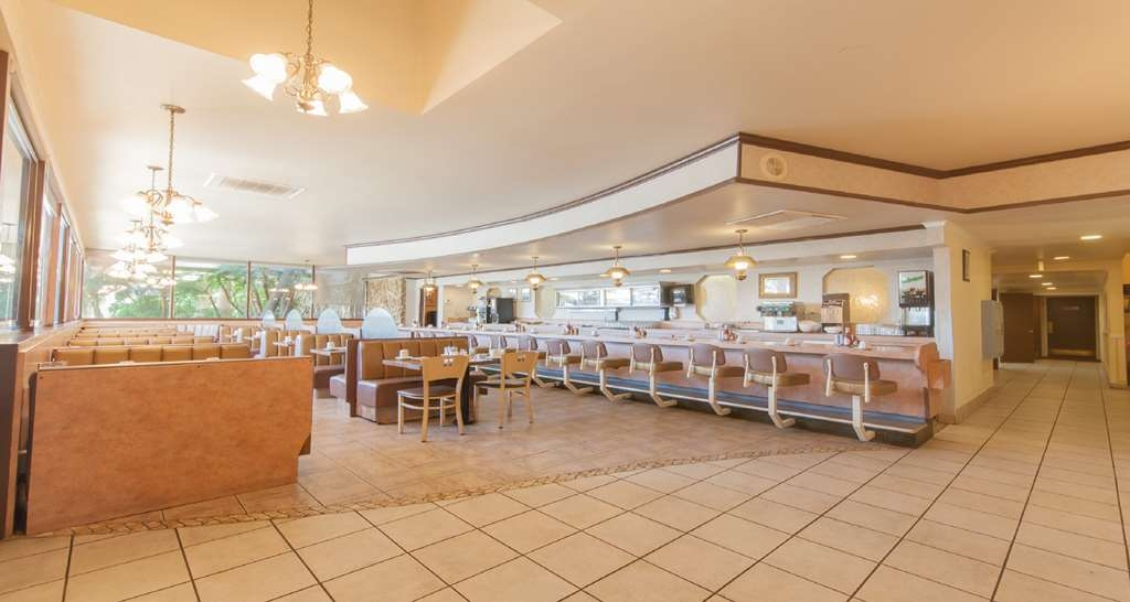 SureStay Plus Hotel by Best Western Bakersfield North - Enjoy a balanced and delicious breakfast with choices for everyone.