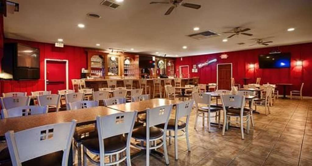 SureStay Plus Hotel by Best Western Bakersfield North - Welcome to the Junction Bar serving a variety drink options!