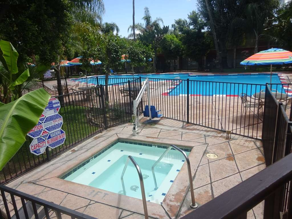 SureStay Plus Hotel by Best Western Bakersfield North - Spa