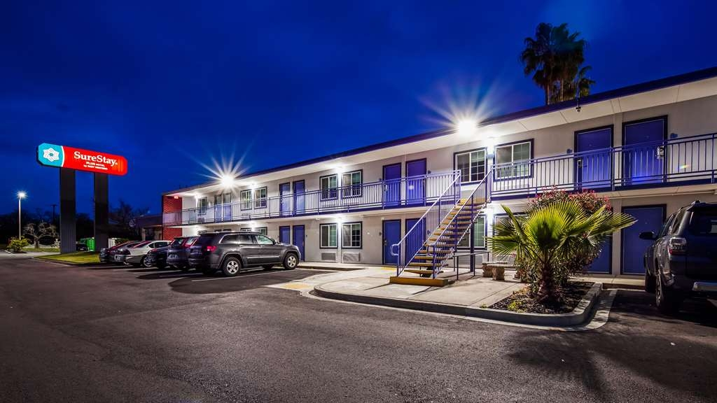 SureStay Plus Hotel by Best Western Sacramento Cal Expo - Facciata dell'albergo