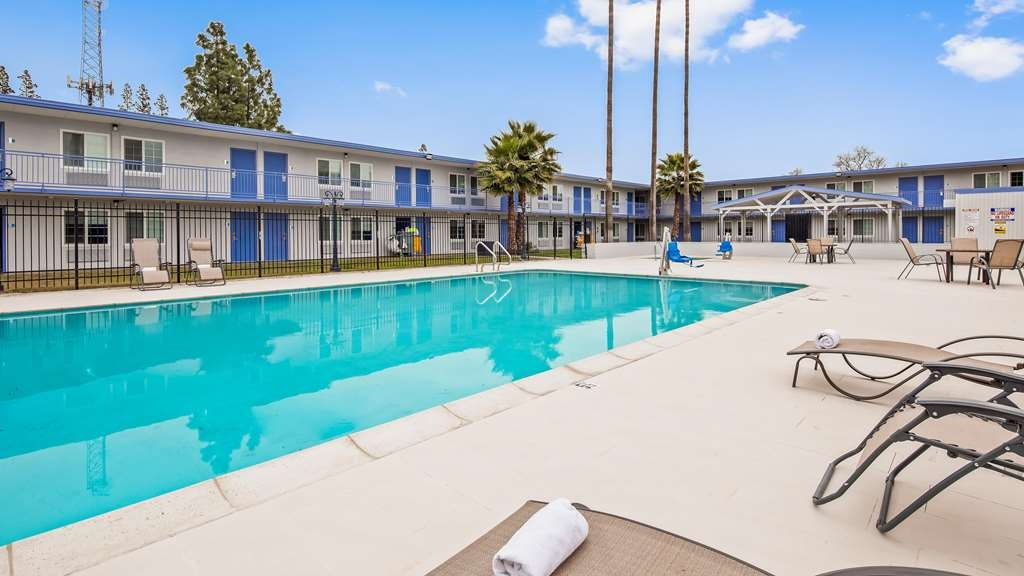 SureStay Plus Hotel by Best Western Sacramento Cal Expo - Poolansicht