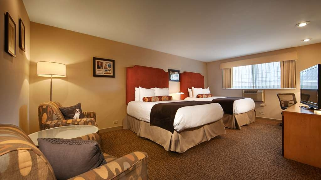 Best Western Plus Hollywood Hills Hotel - Guest room with two queen beds.