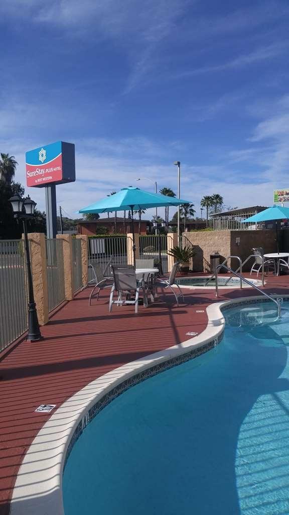 SureStay Plus Hotel by Best Western El Cajon - Piscina
