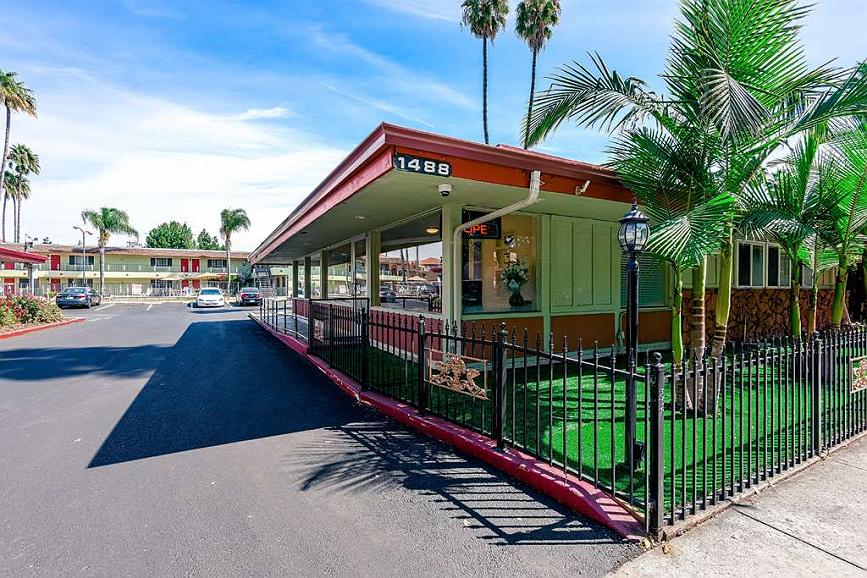 SureStay Hotel by Best Western San Jose Airport - Façade