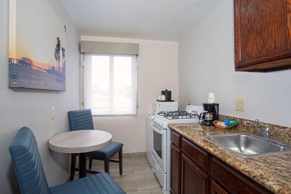 SureStay Hotel by Best Western Santa Monica - habitación de huéspedes-amenidad