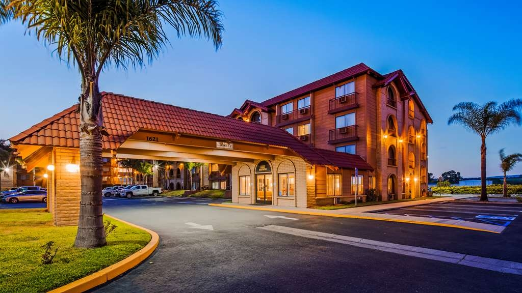 SureStay Plus Hotel by Best Western Lompoc - Vista Exterior