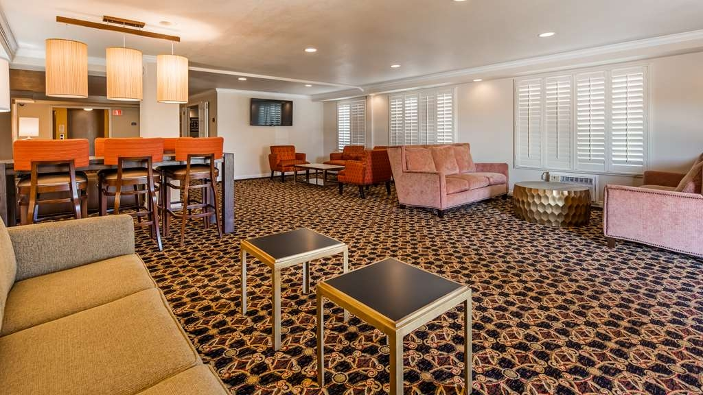 SureStay Plus Hotel by Best Western Lompoc - Our lobby is the perfect spot to relax after a long day of work and travel.