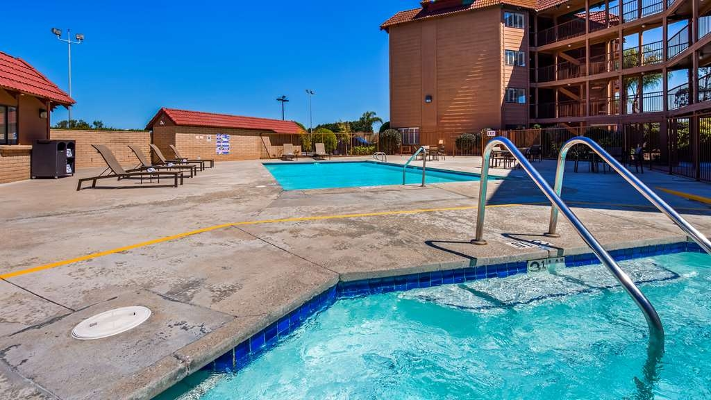 SureStay Plus Hotel by Best Western Lompoc - Melt away all the stress from the day in our hot tub.
