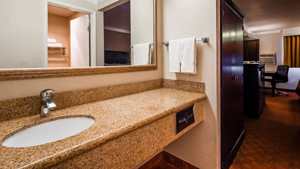SureStay Plus Hotel by Best Western Lompoc - Indulge yourself in our warm, welcoming and inviting 2 queen bedroom.