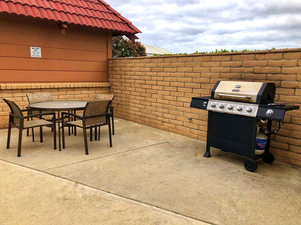 SureStay Plus Hotel by Best Western Lompoc - BBQ