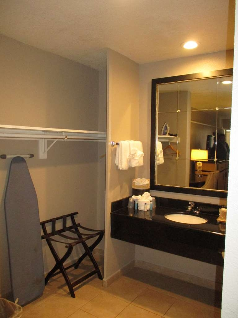 SureStay Hotel by Best Western Buena Park Anaheim - Our bathroom offers plenty of vanity and closet space in our newly refreshed bath areas.