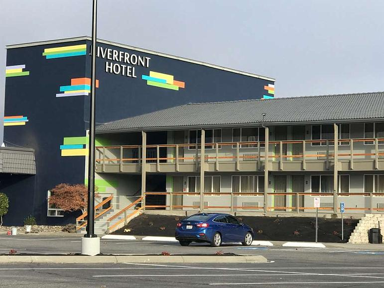 Riverfront Hotel, SureStay Collection by Best Western - Vista exterior