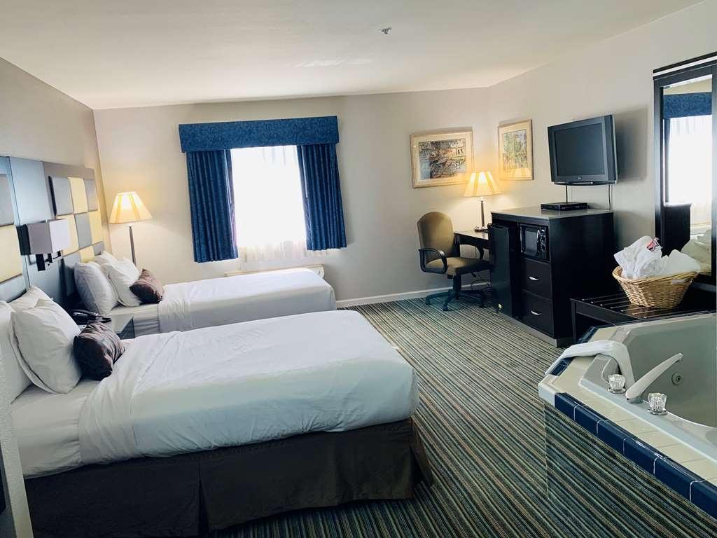 SureStay Plus Hotel by Best Western Redding - Suite
